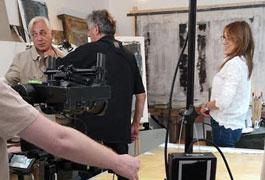 Stéphane Thebaut tourne l'un des épisodes de l'émission « La Maison France 5 » à l'Atelier Dinanderie